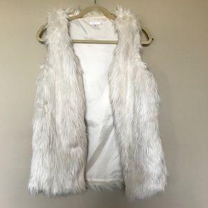 [Xhilaration] White Faux Fur Vest Size XS