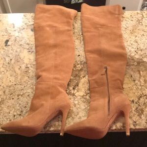 Beautiful brand new OTK camel suede boots!