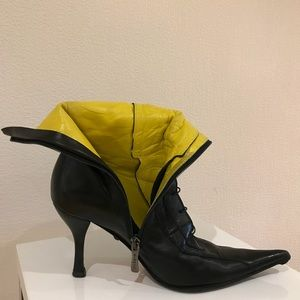 R&Renzi black booties with zip and laces