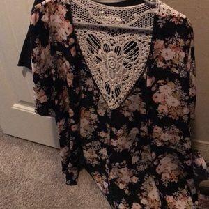 Floral lace back kimono