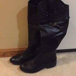 Kohl's candies black leather boots size 8.5