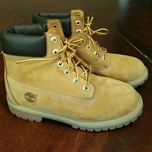 Authentic Timberlands! Luke new. Fantastic price.