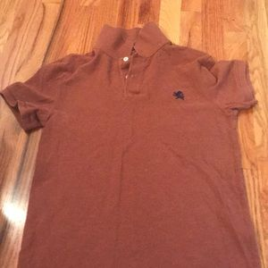 RUST COLORED FITTED POLO