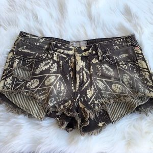 Free People Leaf Bleached Distressed Jean Shorts