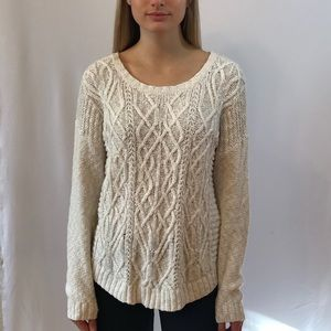 ✖️SOLD✖️ Mossimo Ivory Sweater
