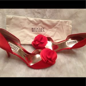 EUC BADGLEY MISCHKA Red Glaze Satin Shoe
