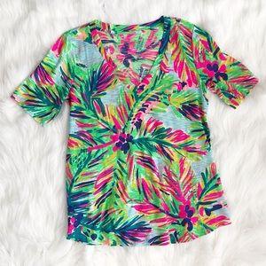 NWOT Lilly Pulitzer VNeck Tshirt