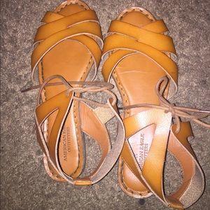 American Eagle sandals side 8