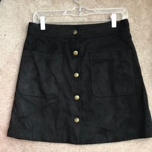 EUC SUEDE BUTTON DOWN SKIRT 🖤