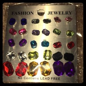 Jewelry - Earrings...15 pairs Assorted sizes/colors