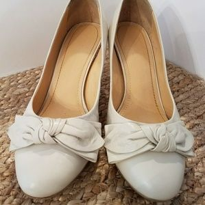 Cream Heels / Pumps with Bows