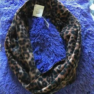 Old Navy Soft Animal print infinity scarf new