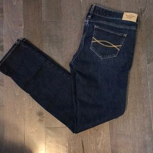 Abercrombie and Fitch Jeans Sz 26 x 31 (2S)