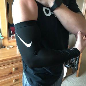 NIKE PRO Combat Sleeve