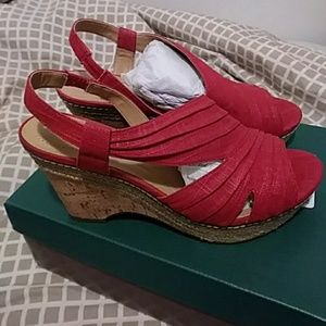 """""""Sale"""" Naturalizer Red Fabric WEDGES"""