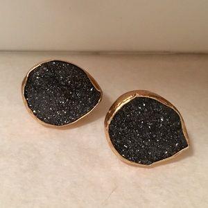 Jewelry - Black & Gold Earrings