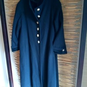 Size XXL Wool Coat with Velvet Trim Gold Buttons