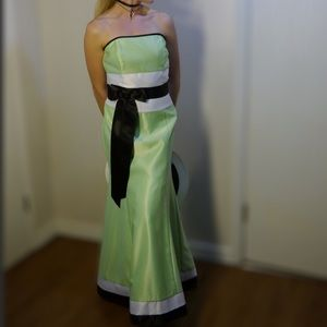 Strapless gown by Jessica McClintock size 7
