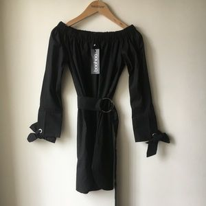 Boohoo Size 4 belted dress - NWT