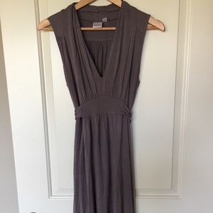 Oxmo dress sz small in greige!