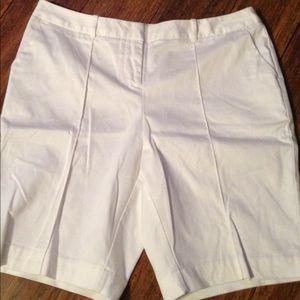 Cute Worthington Modern Fit White Shorts 10P