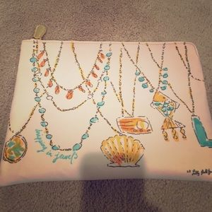 NWOT Lilly Pulitzer pouch