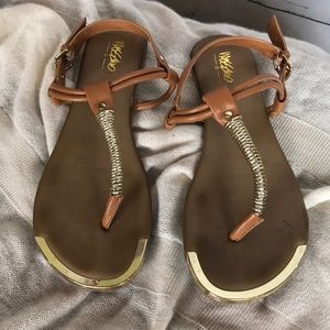 Mossimo tan/gold sandals