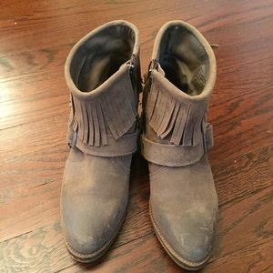 Steve Madden Taupe suede booties size 7