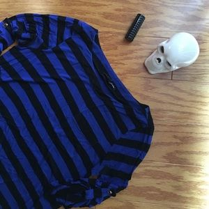 Cable & Gauge black and blue quarter sleeve top