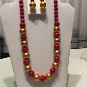 Red and gold necklace set