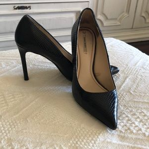 Zara Black Embossed Leather Pumps