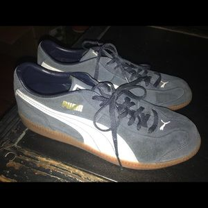 Puma navy sneakers- never worn! Size 10