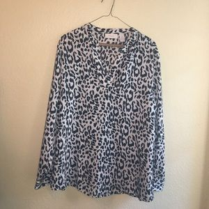 Black and white print Chicos blouse