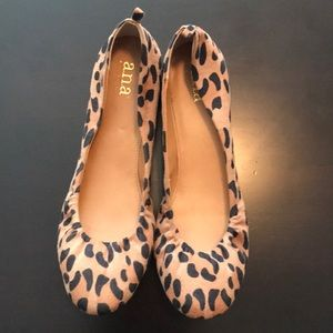 Leopard printed ballet flats size 9
