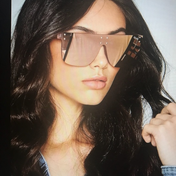 4c14e56060a QUAY Hidden Hills Women s Sunglasses. M 5a10aa6c9c6fcf4e7b038520