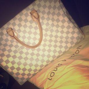White speedy Louis Vuitton tote!!