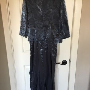 T Carolyn Fashions Dresses - T Carolyn Fashions mother of the bride dress sz 8