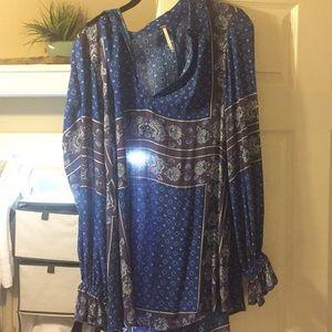 Blue vibrant blouse