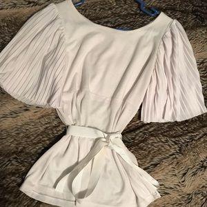 EUC Super cute H&M white top
