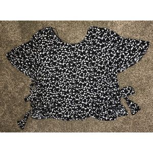 NWOT Zara Black And White Crop Top With Side Bows