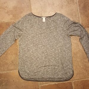H & M heathered gray casual top