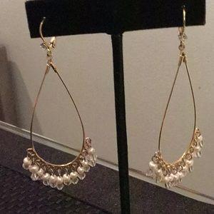 Jewelry - Gold Tone Dangling Earrings