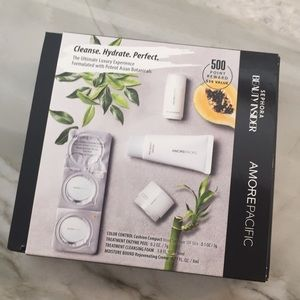 Brand new! Amore Pacific skincare box