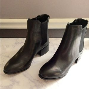 Steve Madden Jodpher Leather Booties