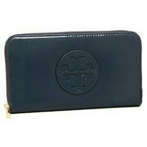 NWT Tory Burch Stacked T paten. continental wallet