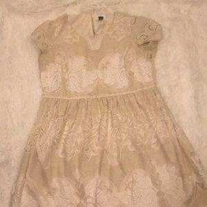 Cream lace short sleeve dress