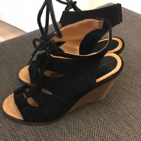 365c993a8f4 Nordstrom rack black lace wedge heels. M 5a10b4f48f0fc46f87039e70