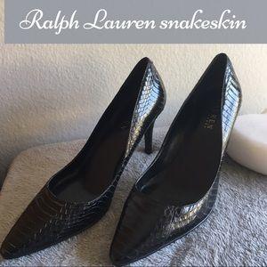 Black snakeskin Ralph Lauren classic pumps 👠. 7m