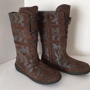 141e079e279c41 Teva Shoes - Kids Teva Cara Kiru Fur lined brown print boot NIB