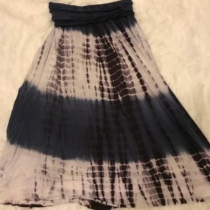 Folder over tie dye skirt with side slits